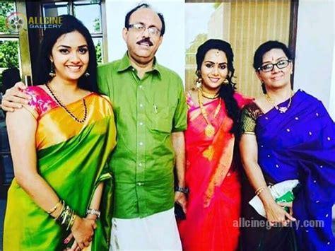 actress karthika suresh keerthy suresh height weight age affairs marriage