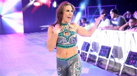 mickie james issues  challenge    wwe superstar