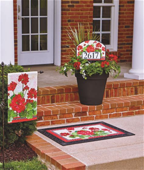 summer outdoor garden flags to update your yard decor