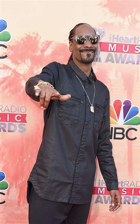 Snoop dogg — doggy dogg christmas 02:53. Snoop Dogg Net Worth, Age, Height, Son, Wife, Kids, Birthday, Family
