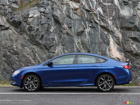 200 Chrysler 2015 Review by 2015 Chrysler 200 S Review Editor S Review Auto123