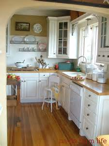 small cottage kitchen ideas 25 best ideas about small cottage kitchen on cozy kitchen cottage kitchen diy and