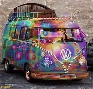 Combi Vw Hippie : psychedelic combi van by on deviantart my favourite things vw ~ Medecine-chirurgie-esthetiques.com Avis de Voitures