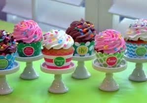 cupcake design cool cupcake designs with icing wallpaper