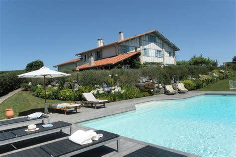 chambre d hotes pays basque cote atlantique location vacances avec piscine privee b b