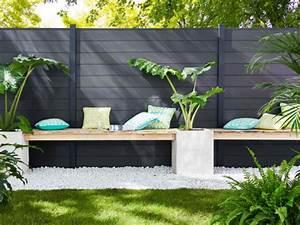 une cloture esthetique pour delimiter mon jardin With comment amenager sa piscine 13 decoration jardiniere balcon