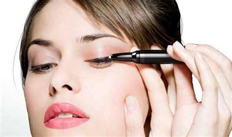 Как правильно и ровно нарисовать стрелки на глазах рисуем карандашом и подводкой красиво Aromacode