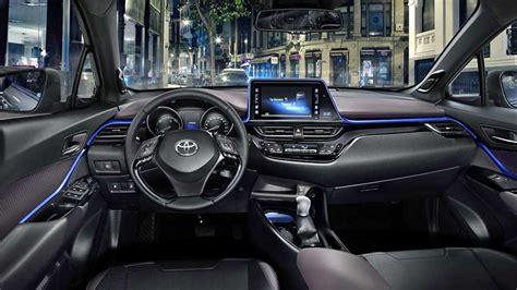 Toyota Svela Gli Interni Di C-hr
