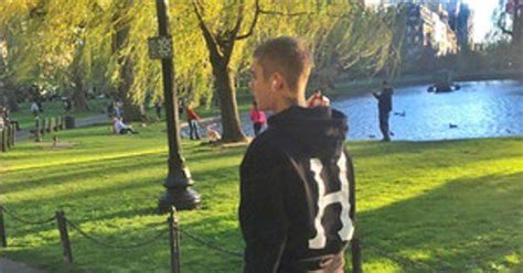Justin Bieber to Fan -- Nice to Meet You, But I Just Had ...