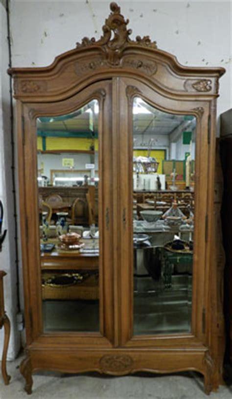 bureau en bois a vendre nos meubles antiquités brocante vendus