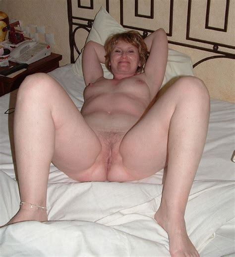Tracy A mature american Redhead Shows Off… Blonde porn