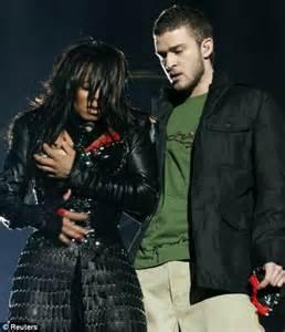 Braless Janet Jackson Suffers Yet Another Wardrobe
