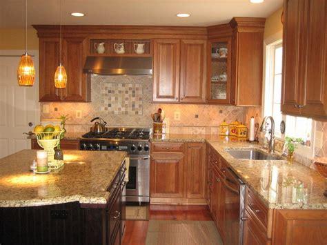 table de cuisine avec plan de travail cuisine cuisine avec plan de travail en granit avec beige