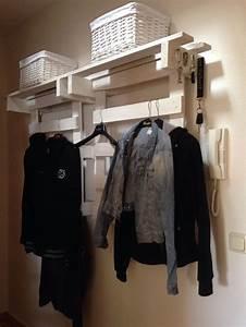 Garderobe Aus Paletten : 9 curated palettengarderobe ideas by langlisa88 gardens deko and wardrobes ~ Sanjose-hotels-ca.com Haus und Dekorationen