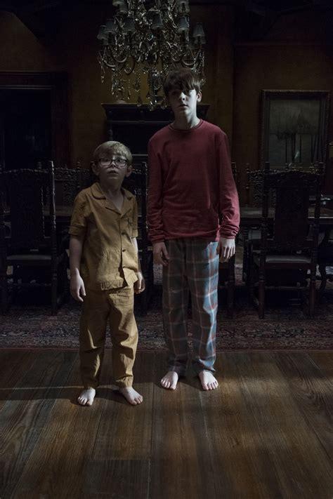paxton singleton actor mikeflanagan archives nightmarish conjurings