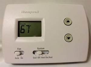 Honeywell Pro 3000 Heat Pump Thermostat Digital Non