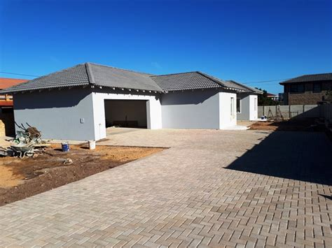 Mossel Bay Property For Sale Pictures Of Bathroom Lighting Gray Color Schemes For Bathrooms How To Install Light Fixture In Night Photos Makeovers Over Mirror Fixtures Heater