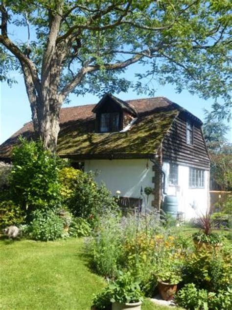 strawberry cottage bandb shamblehurst manor