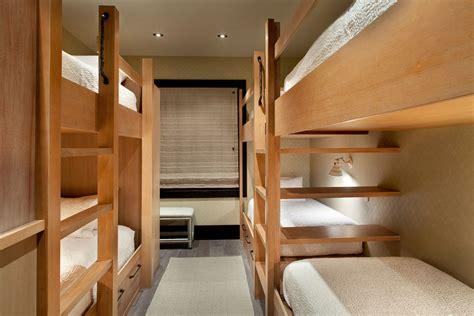 lit superposé avec bureau chalet de luxe dans le montana offrant des vacances en