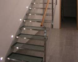 gewendelte treppe stahltreppen für innen und außen ilshofener treppenbau