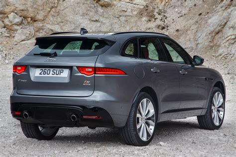 Review Jaguar F Pace by 2017 Jaguar F Pace Reviews And Rating Motor Trend