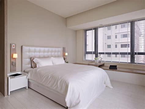 White Bedroom Decor  Interior Design Ideas