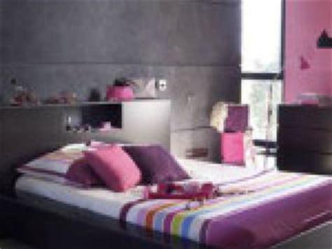 chambre grise et prune photo décoration chambre adulte gris et prune par deco