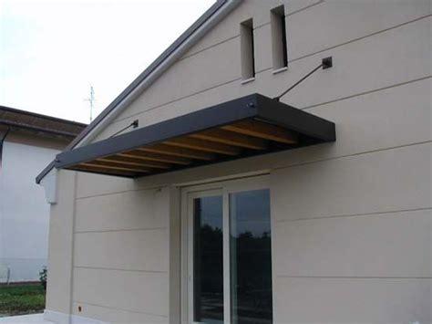 tettoia in legno per porta ingresso pensilina a sbalzo con tirante pergola tettoia pareti