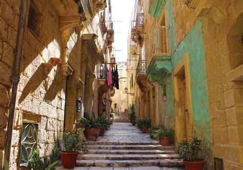 Indulgence In Vittoriosa Malta by Vittoriosa Una Citt 224 In Continuo Movimento Il Di Malta
