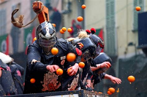 giant food fight  thousands throw fruit  medieval