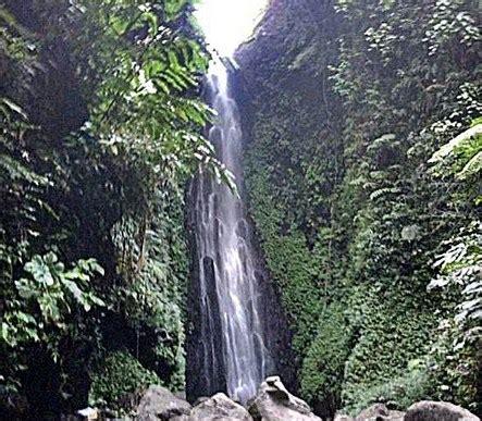 pesona keindahan wisata air terjun srambang ngawi