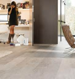 how to clean laminate wood floors the easy way modern flooring flooring ideas and living rooms