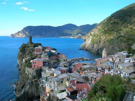 7 Beautiful Villages In Italy Le Baccanti Tours