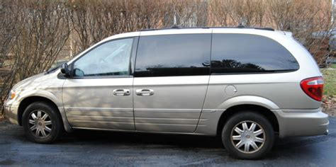 2005 Town & Country Touring Signature Series, Stow & Go