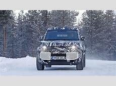 Repéré! Le Land Rover Defender 2020 jouant dans la neige