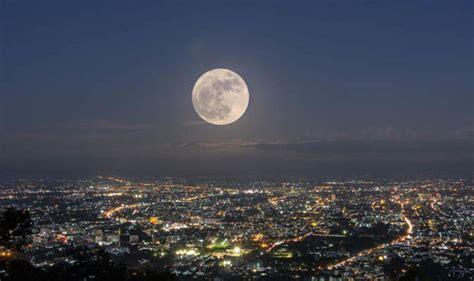 full moon tonight    moon  big tonight