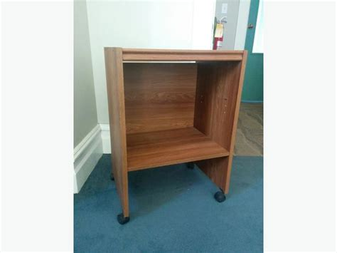 Small Bookcase On Wheels by Free Small Bookshelf On Wheels City