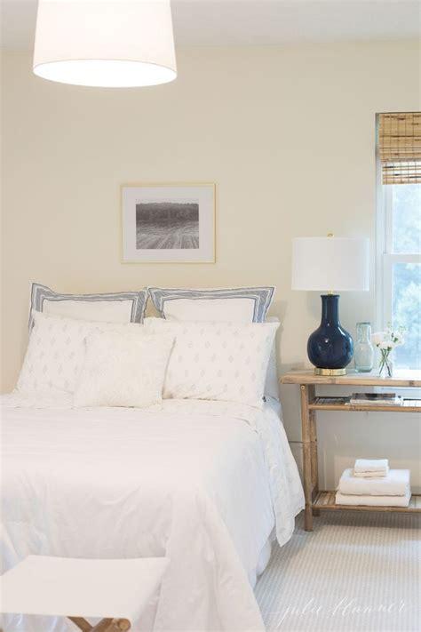 desk for a small bedroom small bedroom ideas 18640 | small bedroom 700x1050