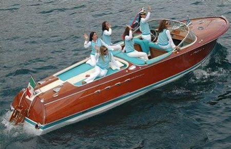 Riva Italian Boats For Sale by Riva Classic Boats Seabuddy On Boats