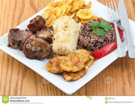 cuisine cubaine cuisine cubaine traditionnelle image libre de droits