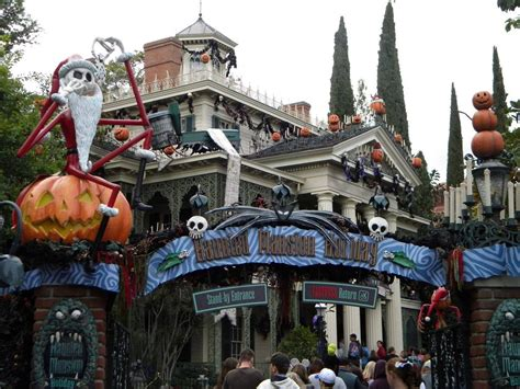 nightmare  christmas haunted mansion pictures