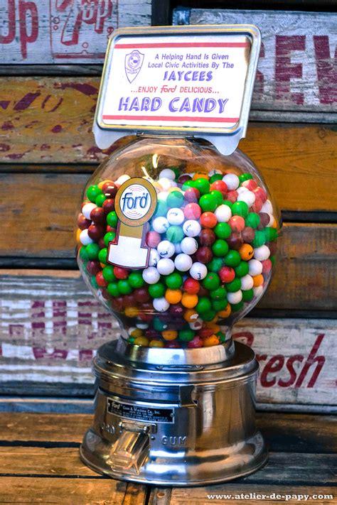 distributeur de bonbons ancien