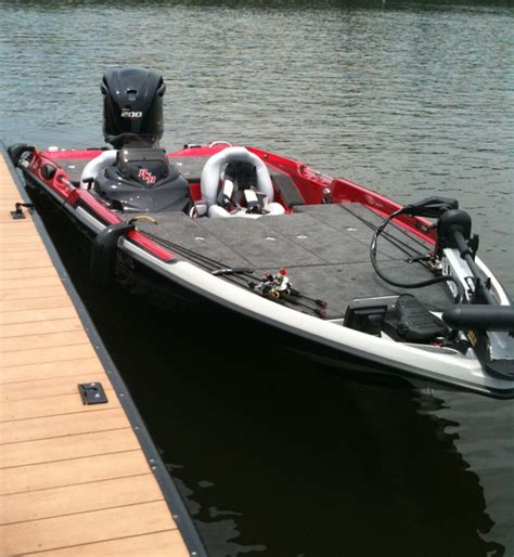 Scat Cat Fishing Boat by Basscat Eyra And 200hp Motor First Day On The Water 72 9