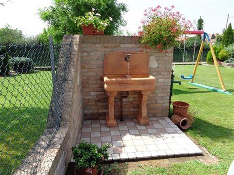 lavandini da terrazzo lavabi da esterno arredamento giardino scegliere il