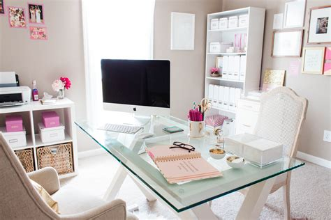 bureau decor bonnie bakhtiari 39 s pink and chic home office office tour