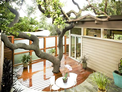 Small Space Backyard Ideas by 8 Stunning Small Space Backyards Porch Advice