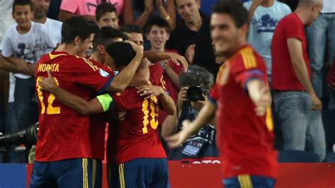 Jorginho scores decisive penalty to put italy into final. Euro U21 2013 - Finale Espagne-Italie: La Rojita ...