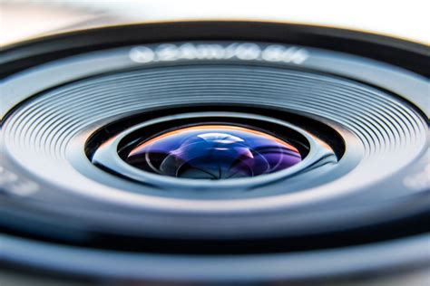 The Advantages Of Using A Single Lens For Professional