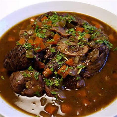cuisiner jarret de boeuf jarret de beuf vin cookeo un plat d 233 licieux avec le cookeo