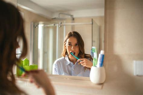 Kā cīnīties ar jutīgu zobu problēmu? - Smaida Eksperti